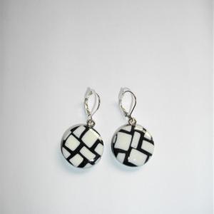 Boucles rondes (mosaique noir et blanc) - Vente en ligne de bijoux fimo