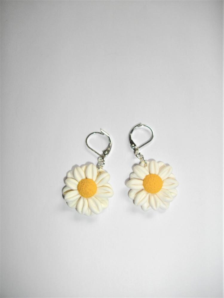 Boucles fleurs marguerite blanche vente de bijoux fimo for Vente de fleurs en ligne