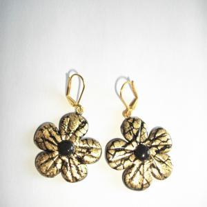 Boucles fleurs (dorées) - Vente en ligne de bijoux fimo
