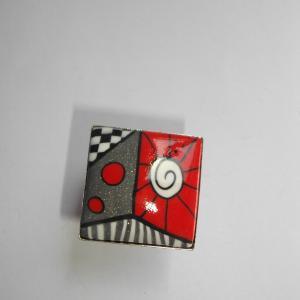 Bague carrée (rouge et gris) - Vente en ligne de bijoux fimo