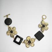 Bracelet avec fleurs carrés rond (noir et doré)