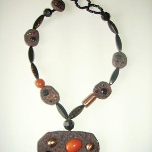 Rocher collier (taupe) - Vente en ligne de bijoux fimo