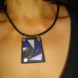 Rendu porté ( trapèze éventail mauve) - Vente en ligne de bijoux fimo