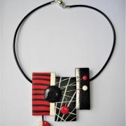 3 rectangles déstructurés (rouge noir et blanc)