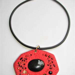 Rocher rouge - Vente en ligne de bijoux fimo