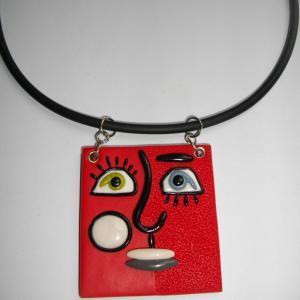 Visage carré ( moitié piqué rouge) - Vente en ligne de bijoux fimo