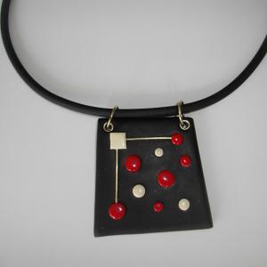 Pendentif trapèze pois rouge et noir - Vente en ligne de bijoux fimo